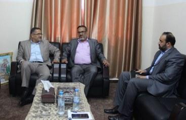 وزارة العمل توقع اتفاقية تشغيل مع نقابة الأطباء