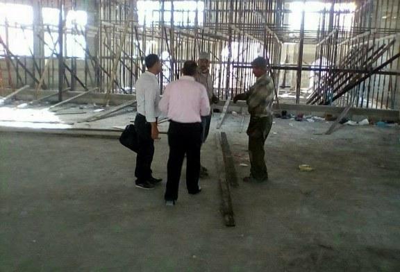 اللجنة الفنية للسلامة والصحة المهنية بمحافظة خانيونس تتفقد مشروع انشاء المسجد الكبير بالمحافظة
