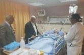 الوزير أبو شهلا يزور الصحفي المصاب أبو حسين ويطمأن على حالته الصحية